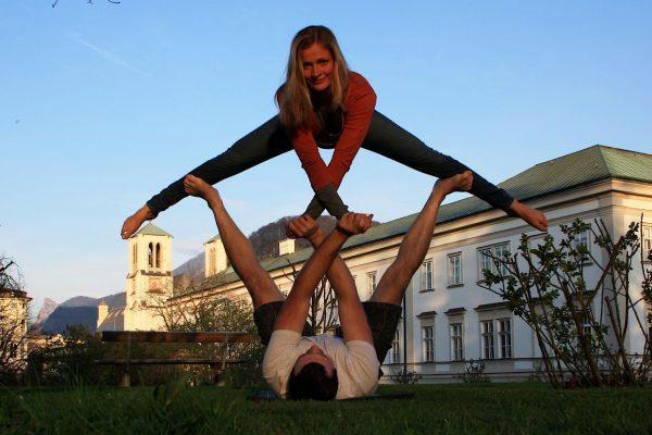 Partnerakrobatik-Training